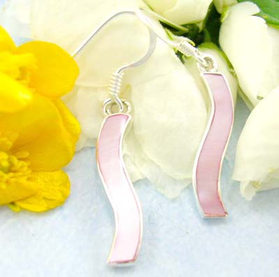 Shopping body canada jewelry wholesale sterling silver earrings with pink mother of pearl, decor in curve-shaped with fish hoop back