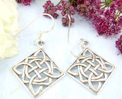 Discount shopping online Sterling silver earring with celtic knot work design in diamond shape