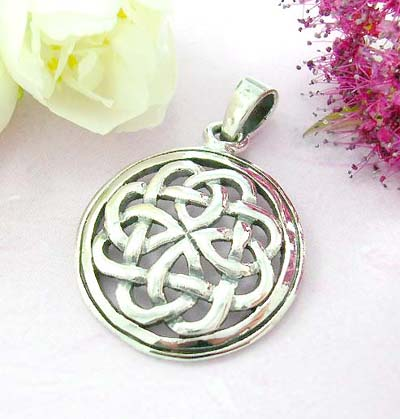Shopping celic pendant online sterling silver pendant with flower celtic knot pattern