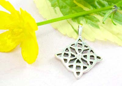 Cheap pendant store sterling silver pendant design in flat diamond shape with cut-out celtic knot work