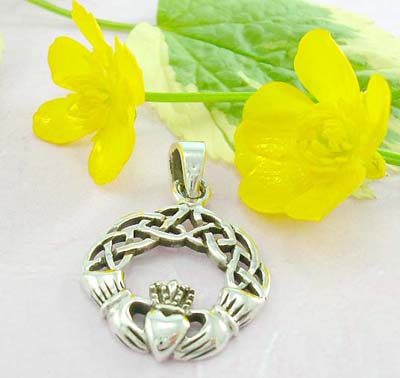 Discount fashion accessory online 925 Sterling silver celtic pendant with traditional Irish Jewelry Claddagh - the Irish symbol of love