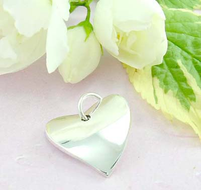 Discount gift shopping 925 Sterling silver pendant with a plain heart shape