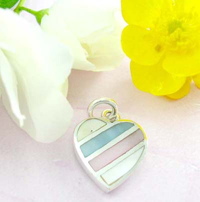 Fashion custom jewelry shopping 925 Sterling silver pendant formed in heart shape with triple color seashell