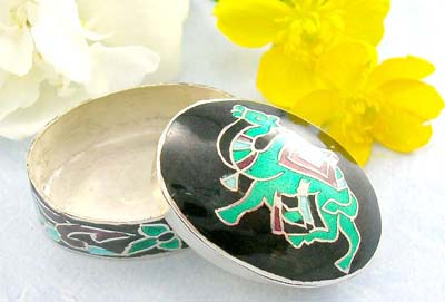 Online custom make jewelry costume fashion sterling silver pill box with Camel and flower decor