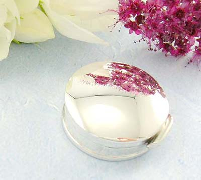 Online jewelry finding a plain round circle pill box design in sterling silver