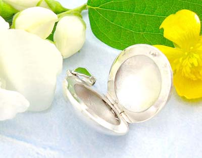 Direct Supplier of jewelry costume fashion plain circle shape locket pendant design in sterling silver