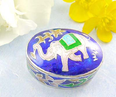 Sterling silver high polished silver jewelry  sterling silver pill box with elephant holding leafs