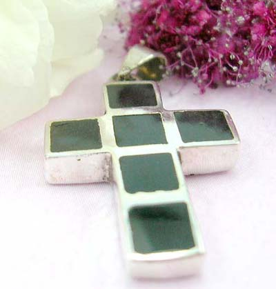 Discout free body pendant square black stone forming in cross shape design with sterling silver pendant