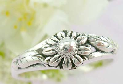 Online sparkle ring catalog sterling silver ring with a sunflower design