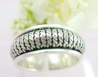 Online free handcrafted silver jewellery spinning ring sterling silver with twist line designs